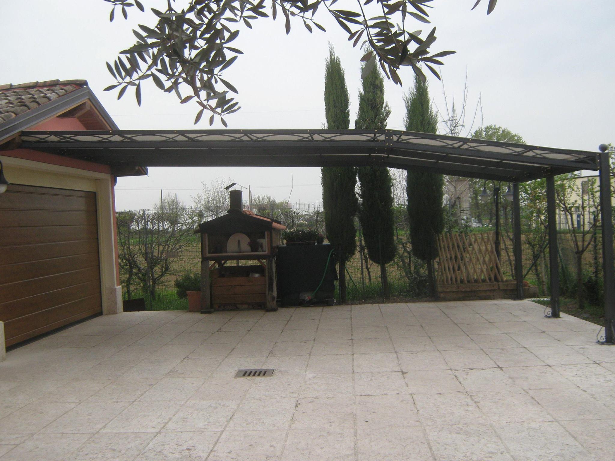 Pergola 7 5 metri di profondit per copertura auto for Carport 2 posti
